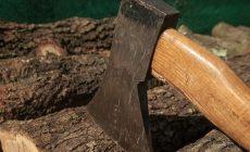 Рабочий дважды ударил коллегу топором по голове во время ссоры на стройке в Зеленограде
