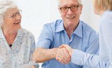 Утверждены обязательные условия договоров между гражданами и исполнителями соцуслуг